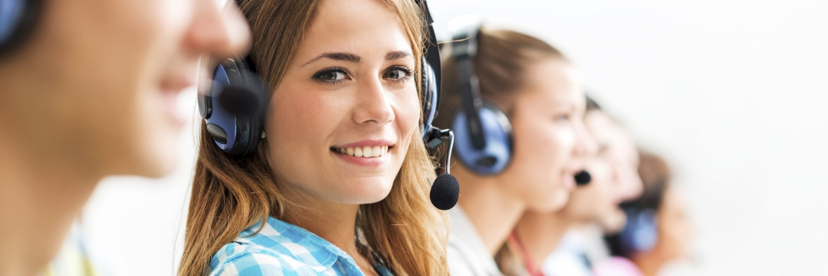 Customer service representatives 000058733268 Full e1501424334389 1200x400 c